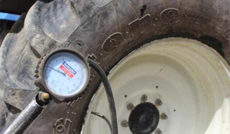 pressureless tractor tyre