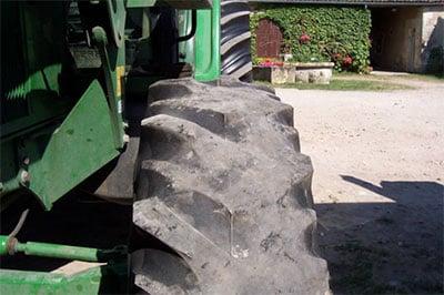 Tractor tyre wear