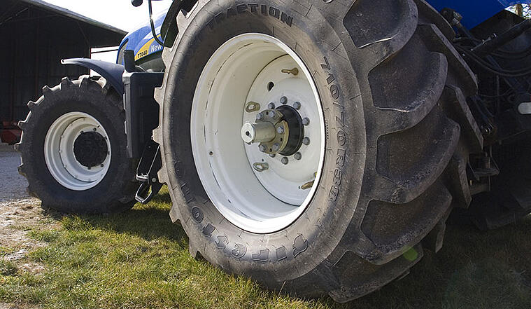 Increasing the size of tractor tires = more performance