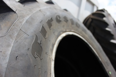 Tyre studs