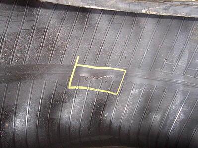Cut on the tyre casing